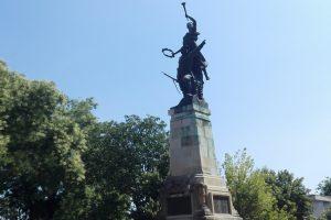 Паметникът на Героите, Олтеница