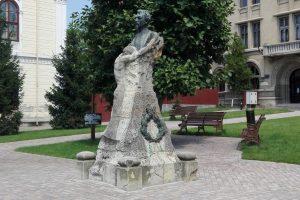 Бюстът на Джон Майореску, Крайова