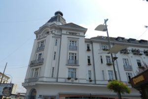 The White House Block, Craiova
