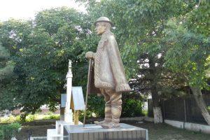 Статуята на Петре Лупу, Маглавит