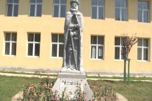 Statuia Constantin Brâncoveanu, Baia de Aramă