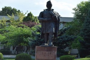 Statuie Liviu Vasilică, Alexandria