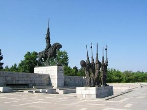 Паметник на Хан Аспарух, Добрич