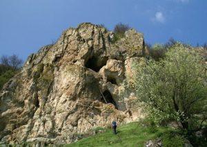 Mănăstirea Rupestră Peștera de Racla, Balik
