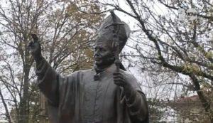 Паметник на Папа Йоан Павел II в Белене, Белене