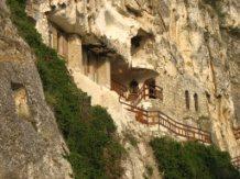 Mănăstirea de Piatră Basarabovo, Basarabovo