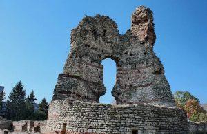 """Крепостта """"Кастра Мартис"""", Кула"""